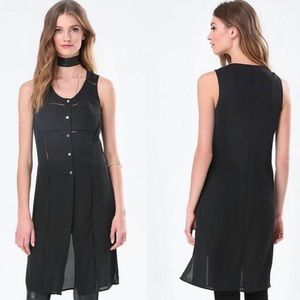 Bebe Button front tunic